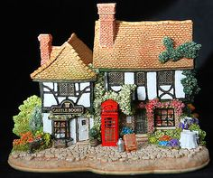 """Lilliput Lane """"Ring for Service"""" - L2921 - Brand New and Boxed - Retired"""