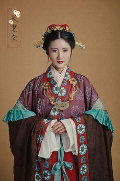 长安月 Traditional Fashion, Traditional Outfits, Traditional Chinese, Medieval Clothing, Historical Clothing, Ancient Beauty, Ancient China, Ancient Greek, Chinese Clothing