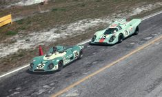 1970 Sebring 12Hr., Matra MS650 , driven by Gurney / Cevert (finished 12th) leads the 917 of Rodriguez / Kinnunen / Siffert (finished 4th) .