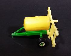 1990s Ertl Farm Machines John Deere Green and Yellow Sprayer 1/64 Die-cast Metal Farm Implement Toy Replica 5553-9011 https://treasurevalleyantiques.com/products/1990s-ertl-farm-machines-john-deere-green-and-yellow-sprayer-1-64-die-cast-metal-farm-implement-toy-replica-5553-9011 #1990s #90s #Nineties #Ertl #Farm #Machine #JohnDeere #Crop #Sprayer #Implement #Equipment #DieCast #Toys #Farming #Collectible #Machinery