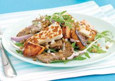 The distinctive flavour and texture of this popular cheese is perfect here in this beef and haloumi salad by recipes+. Lentils add an extra burst of protein and nutrition for the health conscious. Easy Salad Recipes, Easy Salads, Dinner Recipes, Haloumi Salad, Popular Cheeses, Beef Strips, Fried Beef, Vegetable Dishes
