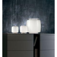 Vistosi Lámpara de mesa Bot Lámpara de mesa Bot de Vistosi, con formato cuadrado pero redondeado. Decorativa y con cierto toque futurista en su diseño. Color...