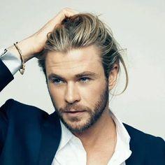 Heavy Stubble Beard Styles Long Beard Styles, Best Beard Styles, Long Hair Styles, Chris Hemsworth Body, Short Boxed Beard, Types Of Facial Hair, Mustache And Goatee, Growing A Mustache, Types Of Beards