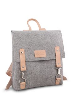 e6b524b5620 Industrial felt and vegetable tanned leather backpack with inner division  and compartment