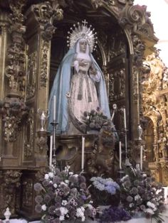 Nuestra amantisima titular Nuestra Señora de los Dolores Sierva del Señor, ataviada de celeste y blanco y con la medalla de la Virgen, en ho...