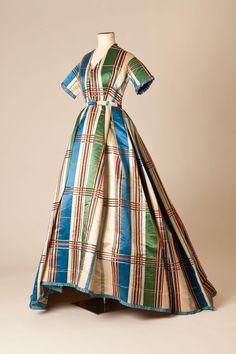 1860s - Tartan day dress