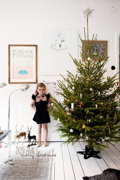 Vintage Modern minimalist classic the way only the Scandinavians can! Dosfamily Swedish Christmas tree