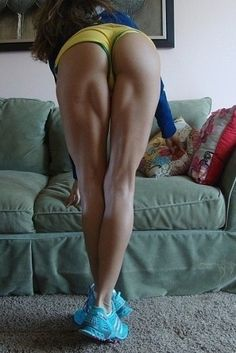 Crazy muscular legs! Beautiful.