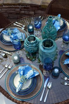 I'm at the table with Ocean Breeze Dinnerware by Pfaltzgraff. Ocean Breeze has three sculpted and distinct ridges of color, reminiscent of the water as it shifts and changes shades with dep… Elegant Table Settings, Beautiful Table Settings, Table Turquoise, Dresser La Table, Nautical Table, Thanksgiving Table Settings, Table Arrangements, Floral Arrangements, Dinning Table