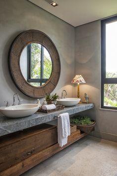 Banheiro rústico e contemporâneo por Gisele Lopes Arquitetura.   https://www.homify.com.br/livros_de_ideias/24307/marmore-para-cozinhas-e-banheiros