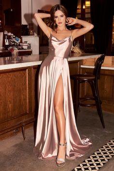 Satin Midi Dress, Maxi Dress With Slit, Satin Gown, Satin Dresses, Dresses With Slits, Pink Dress, Traje Semi Formal, Semi Formal Mujer, Mauve