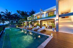 Malimbu Cliff is a villa located on Lombok Island, Indonesia
