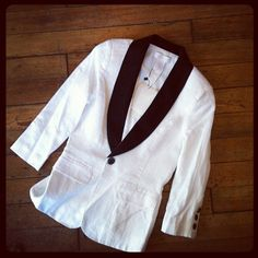 This blazer is adorable. I am in love #duodc  (at Duo)