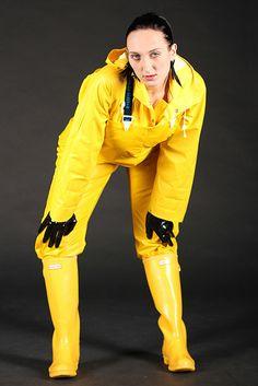 Yellow rainwear and hunter wellington boots. Pvc Raincoat, Yellow Raincoat, Hunter Wellington Boots, Rain Fashion, Rain Suit, Rain Coats, Rain Gear, Farmer, Leather Pants