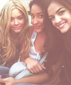 Sasha Pieterse (Alison), Shay Mitchell (Emily) and Lucy Hale (Aria) on the set of Pretty Little Liars. #PLL