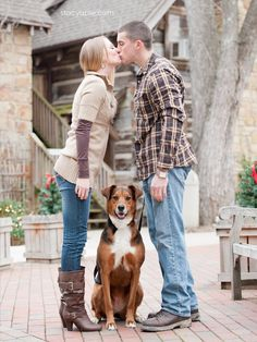 engagement photos with dog. Must Do an engagement and a wedding Photo like this Winter Engagement Photos With Dog, Engagement Couple, Engagement Pictures, Engagement Shoots, Engagement Ideas, Wedding Engagement, Couple Photography, Engagement Photography, Wedding Photography