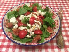 Kuzu kulağı salatası tarifi blogda.