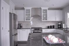 #Steel #Grey ist ein grobkörniger und dunkelgrauer Quarzmonzonit, aus der Gruppe Gabbor. Wirklich ein Traum für die perfekte #Küchenarbeitsplatte.  http://www.granit-arbeitsplatten.com/Steel-Grey-granitplatten-Steel-Grey