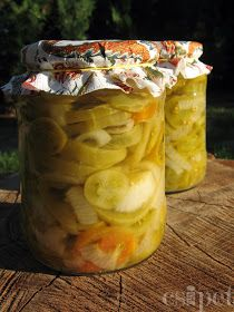egycsipet: Zöldparadicsom saláta Preserves, Pickles, Cucumber, Mason Jars, Cooking Recipes, Canning, Vegetables, Food, Glass