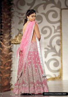 1000+ images about lahenga on Pinterest | Saree, Red lehenga and ...