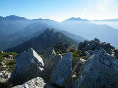 Auf den Monte Cervellu, Korsika. Link zur Tour: http://www.outdooractive.com/de/bergtour/auf-den-monte-cervellu/1550517/#axzz29LvgYGET Keywords: mountain, landscape, Berge, Nebel