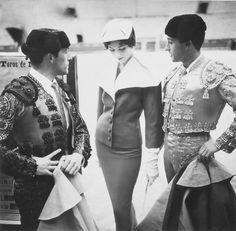 Matadors and fifties fashion; photo by Henry Clarke, 1954