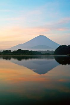 Mount Fuji at dawn, Lake Shojiko,Yamanashi, Japan