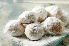 Κουραμπιέδες by argiro.greek shortbread cookies made during xmas Greek Sweets, Greek Desserts, Greek Recipes, Xmas Food, Christmas Sweets, Christmas Baking, Christmas Recipes, Gourmet Recipes, Baking Recipes