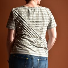 Sowieso! Mark Forsters Leidetext auf Shirt gedruckt, Biesen auf Jersey Mark Forster, V Neck, Shirts, Mens Tops, Stamps, Fashion, Shirt Print, Kleding, Seals