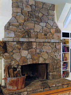 fieldstone hearth - Google Search Wood Stove Surround, Open Concept House Plans, Fireplace Design, Fireplace Ideas, Primitive Fireplace, Stacked Stone Fireplaces, Wood Insert, Flagstone, New Living Room