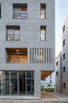 Image 14 of 30 from gallery of Guwol Multi-Family House & Commercial Stores / Seoga Architecture. Photograph by Roh Kyung Design Exterior, Facade Design, Building Design, Building A House, Brick Architecture, Modern Residential Architecture, Small Buildings, Modern House Design, Style At Home