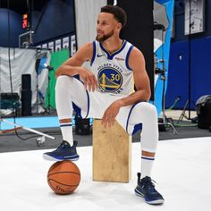 Nba Players, Basketball Players, Basketball Jersey, Golden State Warriors, Stephen Curry Quotes, Steph Curry Wallpapers, Wardell Stephen Curry, Stephen Curry Basketball, Curry Nba