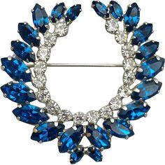 Sparkling Vintage Rhinestone Wreath Brooch Montana Blue 1960s