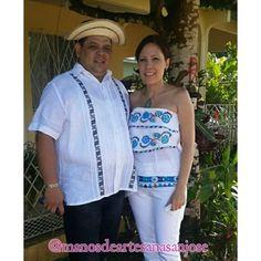 Camisilla marcada y blusa estilizada.  #Mantengamos #Nuestro #Folklore #ManosdeartesanaSanJose.