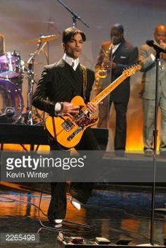 Photo d'actualité : Prince at 'The Tonight Show with Jay Leno' at the...
