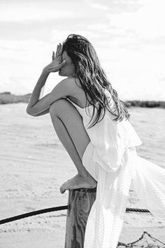 beach dresses, beaches, inspiration, summer photos, black white, fashion photography, feelings, portrait, photographi