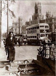 Retro Pictures, Old Pictures, Antique Photos, Vintage Photos, Foto Madrid, Barcelona City, Alicante Spain, World Cities, History Photos
