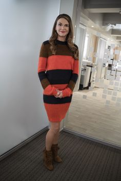 We love this red and black sweater dress on Liza. Click to get more Liza style inspiration on Younger! Fashion Tv, Fashion Movies, Autumn Fashion, Womens Fashion, Black Sweater Dress, Black Sweaters, Sutton Foster, Crochet Clothes, Get Dressed