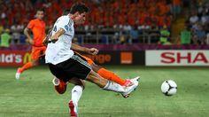 Mario Gomez (Germany) - 2nd Goal - Netherlands 1-2 Germany - Group B Knockout