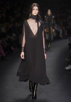 Site Officiel Valentino - Collection Femme Valentino.