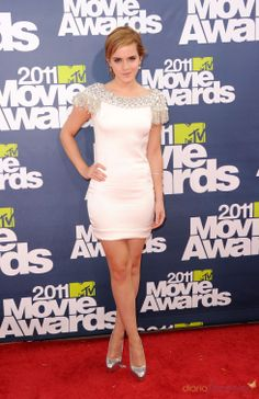 Emma Watson MTV Movie Awards 2011 Oscar De La Renta dress