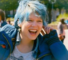 Blue is the Warmest Color:Emma