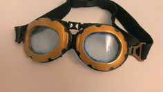 How to go from this generic punk goggles to a pair good enough for Vi herself, in this tutorial I will cover how to build Vi goggles. Vi Cosplay, Round Sunglasses, Steampunk, Pairs, Simple, Building, Design, Buildings, Steam Punk