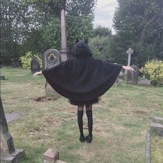 Shared by whatrudoinghere. Find images and videos about black, cemetery and dark on We Heart It - the app to get lost in what you love. Gothic Aesthetic, Aesthetic Grunge, Nicole Dollanganger, Foto Pose, Grunge Style, Photo Instagram, Homestuck, Photos, Photography Poses