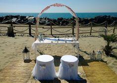 Cerimonia sulla spiaggia. Ceremony on the beach