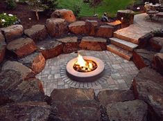 Fire Pit Ideas Backyard Landscaping - Try turning off your TV and stashing the remote for a better family time. Go to your backyard and sit around the fire pit to maintain a conversation, instead. Sunken Fire Pits, Fire Pit Bbq, Fire Pit Area, Diy Fire Pit, Fire Pit Backyard, Backyard Kitchen, Sunken Patio, Fire Pit Wall, Desert Backyard