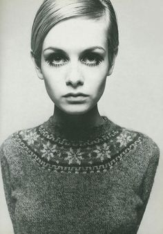 """Twiggy the fashion model. I think she weighed about 87 pounds soaking wet and was the new standard for """"thin."""" I loved Twiggy 1960s Fashion, Look Fashion, Fashion Models, Vintage Fashion, Simply Fashion, Fashion Photo, Fashion News, Fashion Outfits, Top Models"""