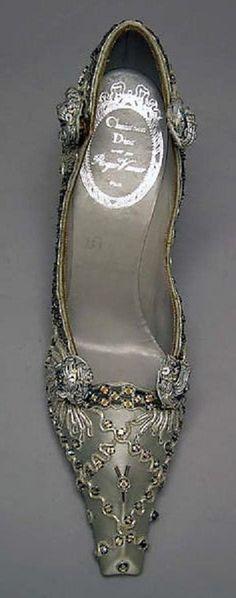 Roger Vivier shoe for Dior 1957