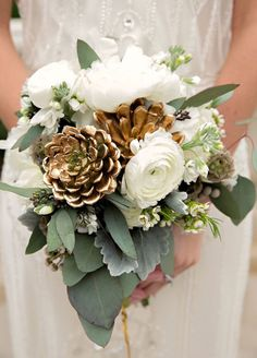 5. Go glam. Try gold-leaf dipped flowers or spray painted elements for a fabulous way to dress up your bouquet.