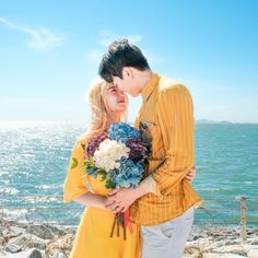 @CamilSerra ♥ Kpop Couples, Cute Couples, Romantic Couples, Ulzzang Couple, Ulzzang Girl, Matching Couple Outfits, Matching Couples, Couple Photography, Wedding Photography